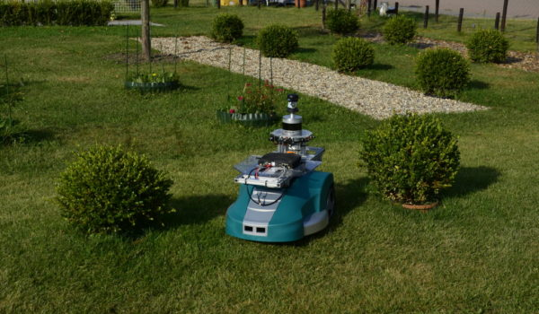 Trimbot in the garden